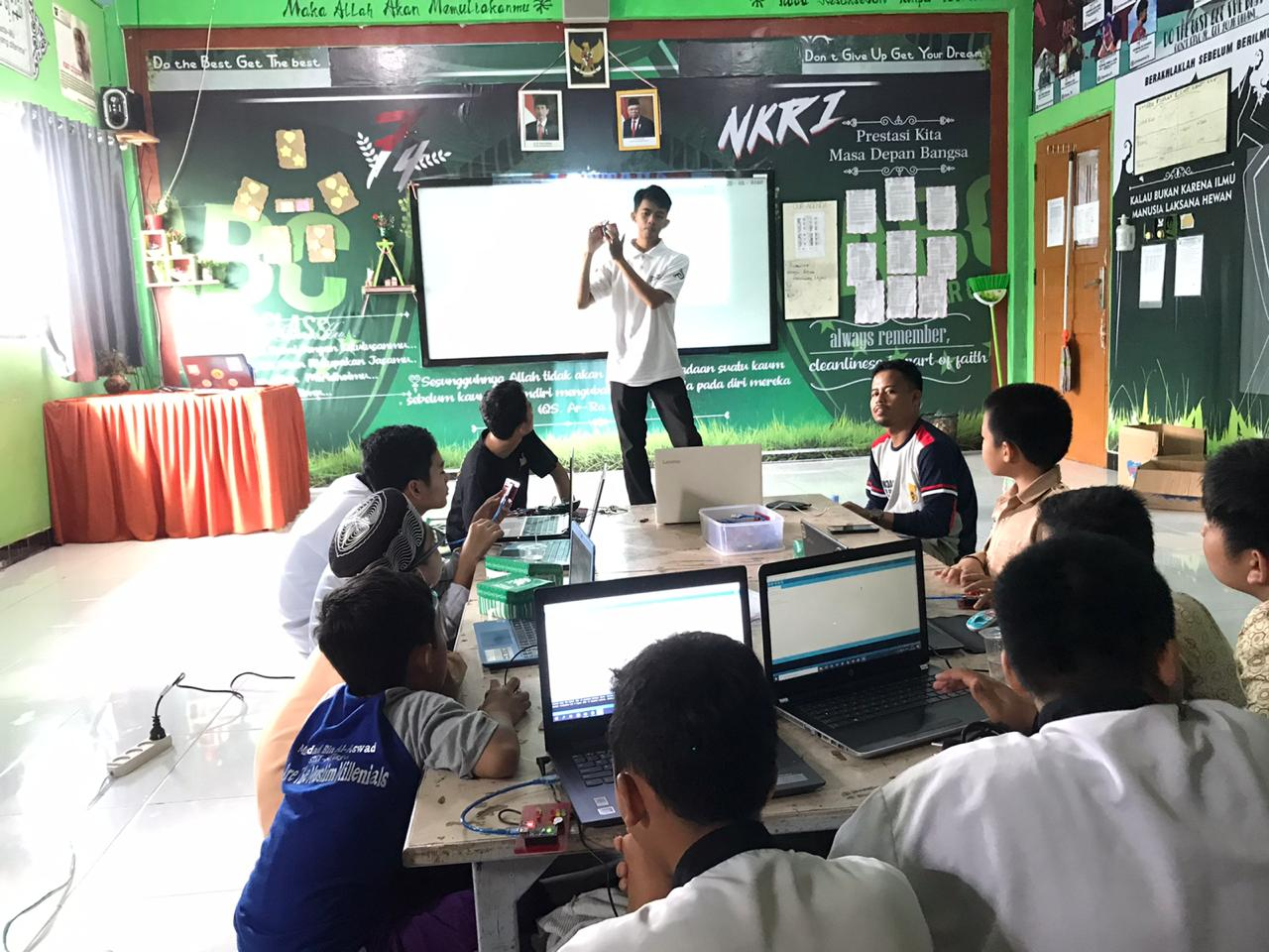 Workshop Robotik – Al Fityan School Kab.Gowa
